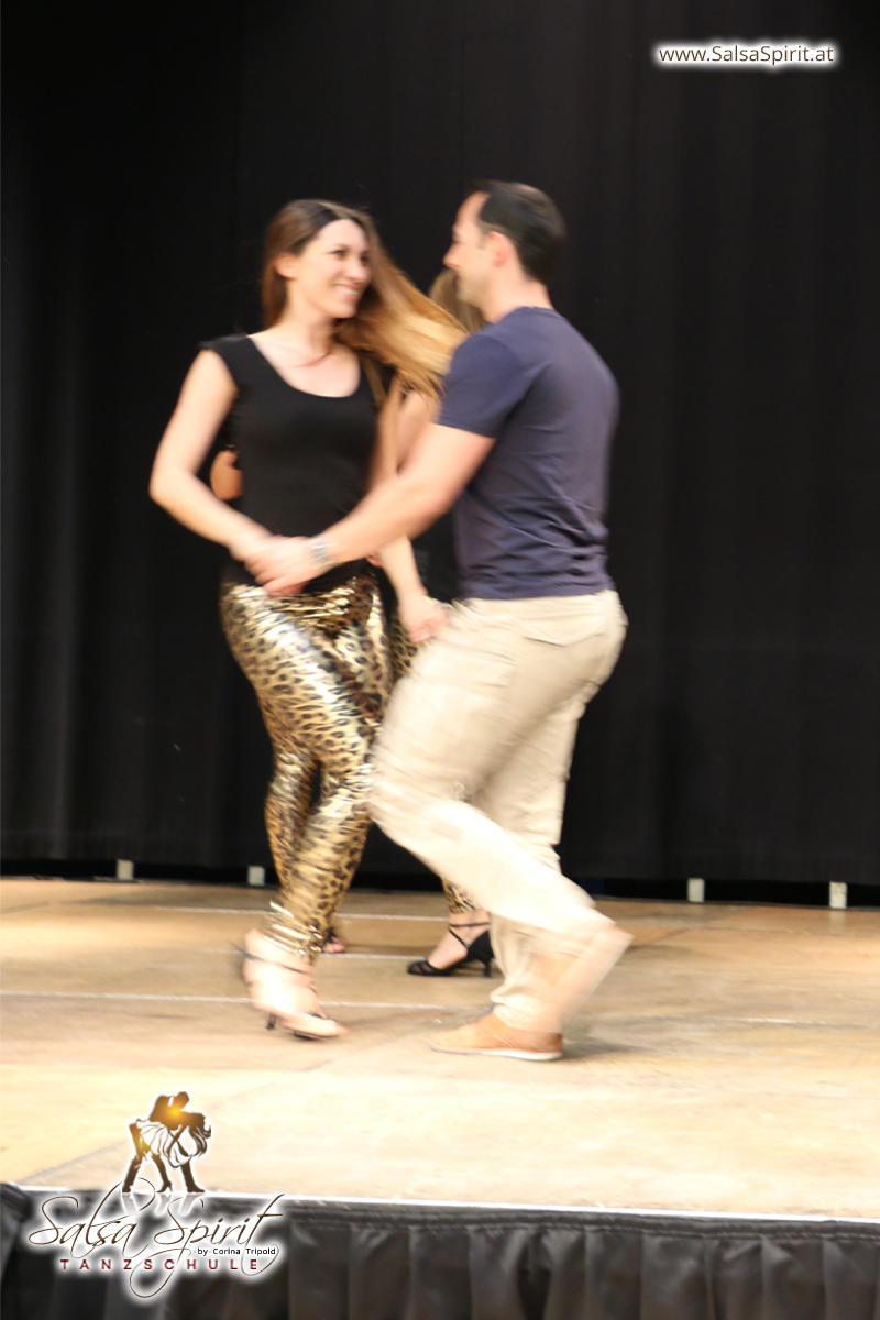 Tanzschule-Salsa-Spirit-Auftritt-Show-2018-Messe-0003