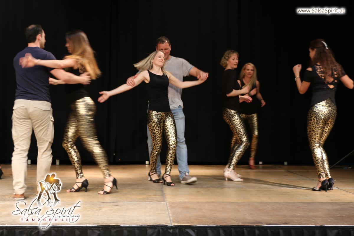 Tanzschule-Salsa-Spirit-Auftritt-Show-2018-Messe-0004