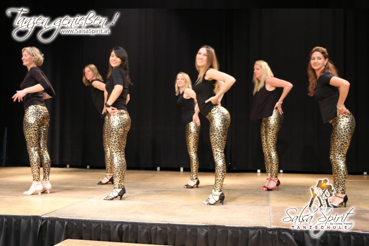 Tanzschule-Salsa-Spirit-Auftritt-Show-2018-Messe-0006