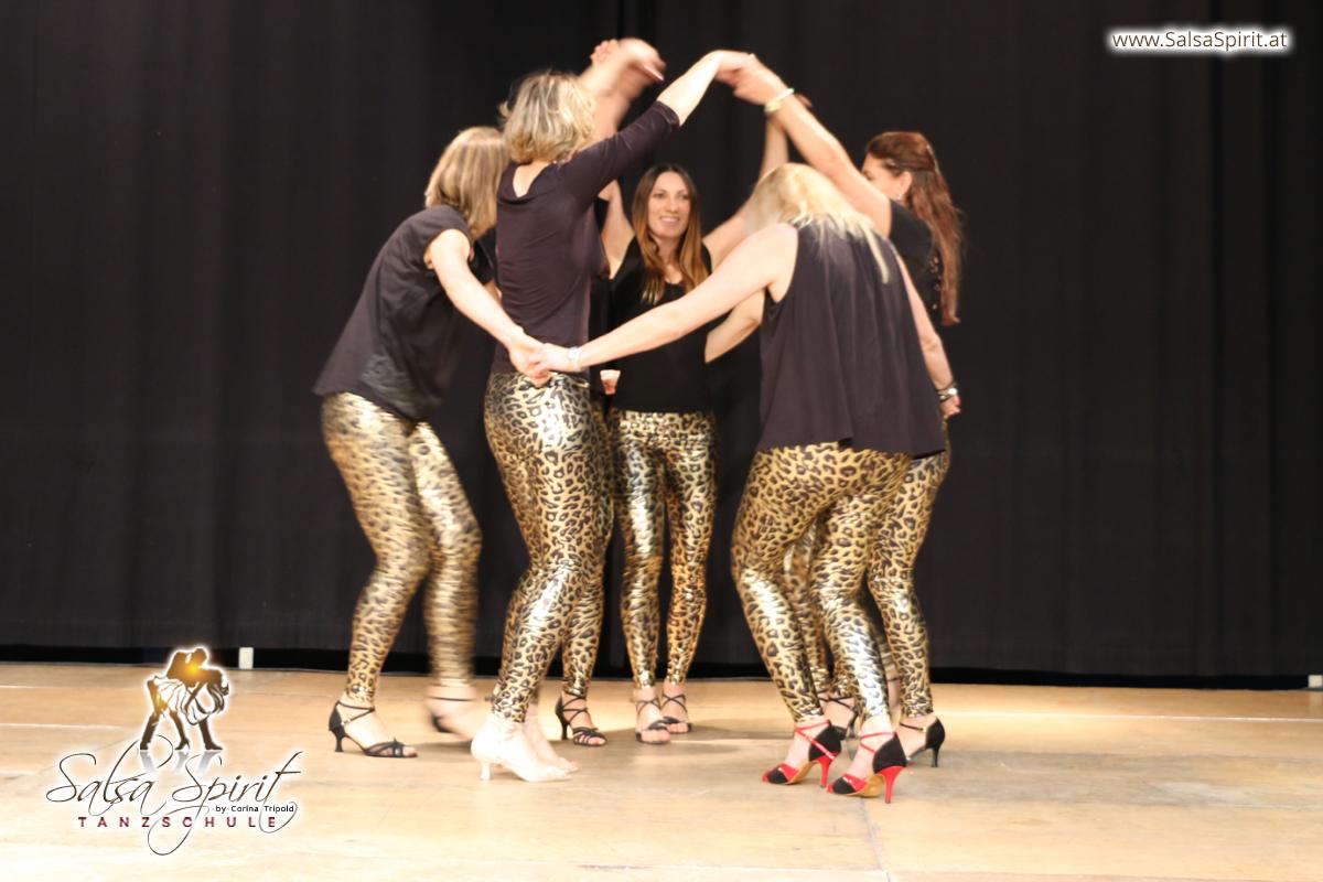 Tanzschule-Salsa-Spirit-Auftritt-Show-2018-Messe-0009