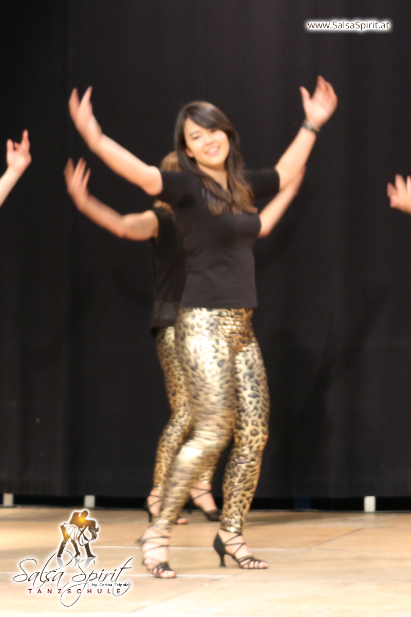 Tanzschule-Salsa-Spirit-Auftritt-Show-2018-Messe-0010