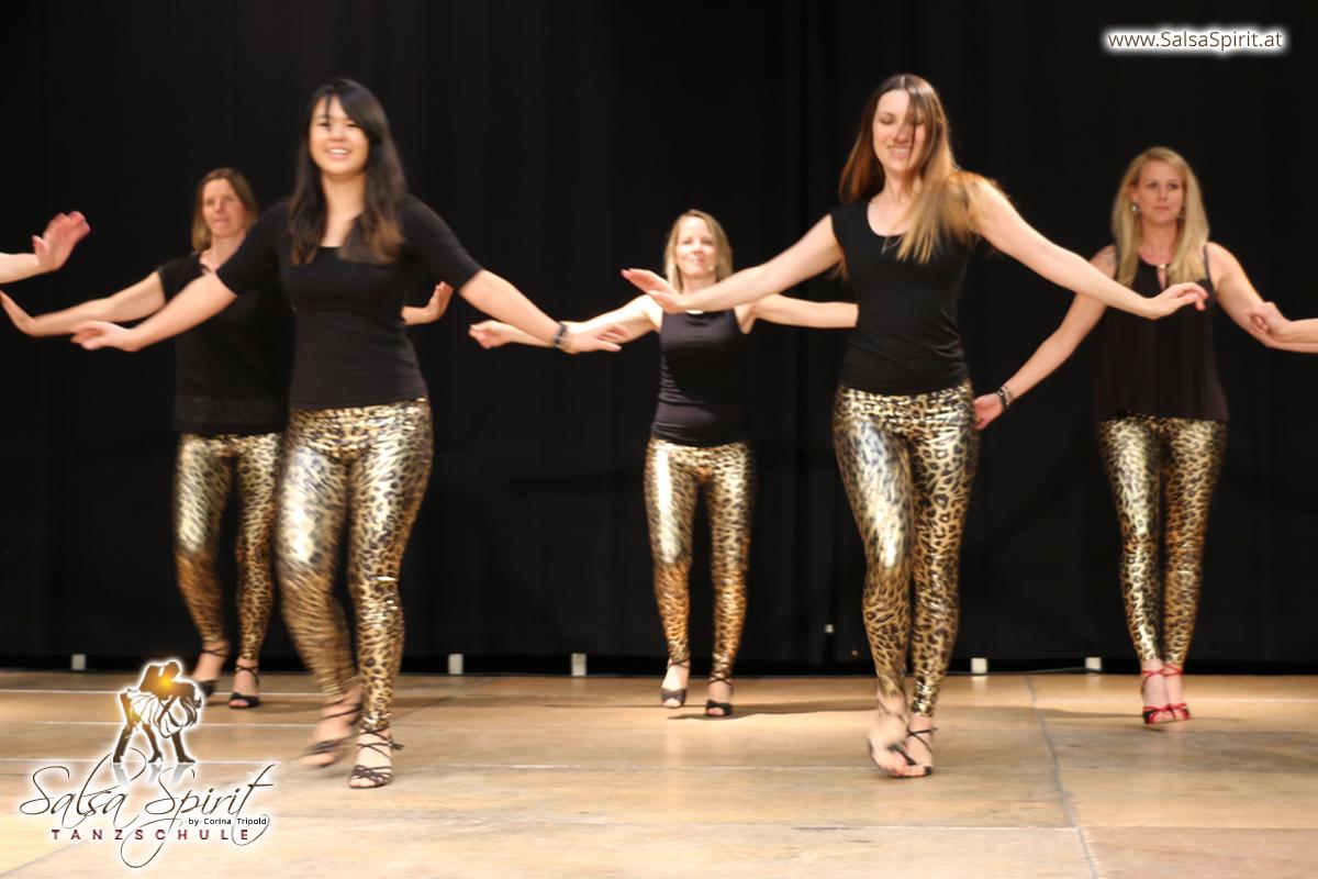 Tanzschule-Salsa-Spirit-Auftritt-Show-2018-Messe-0012