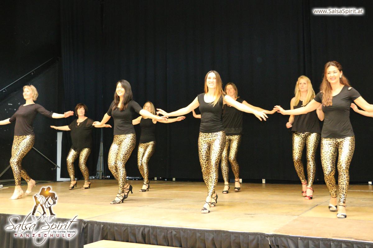Tanzschule-Salsa-Spirit-Auftritt-Show-2018-Messe-0022