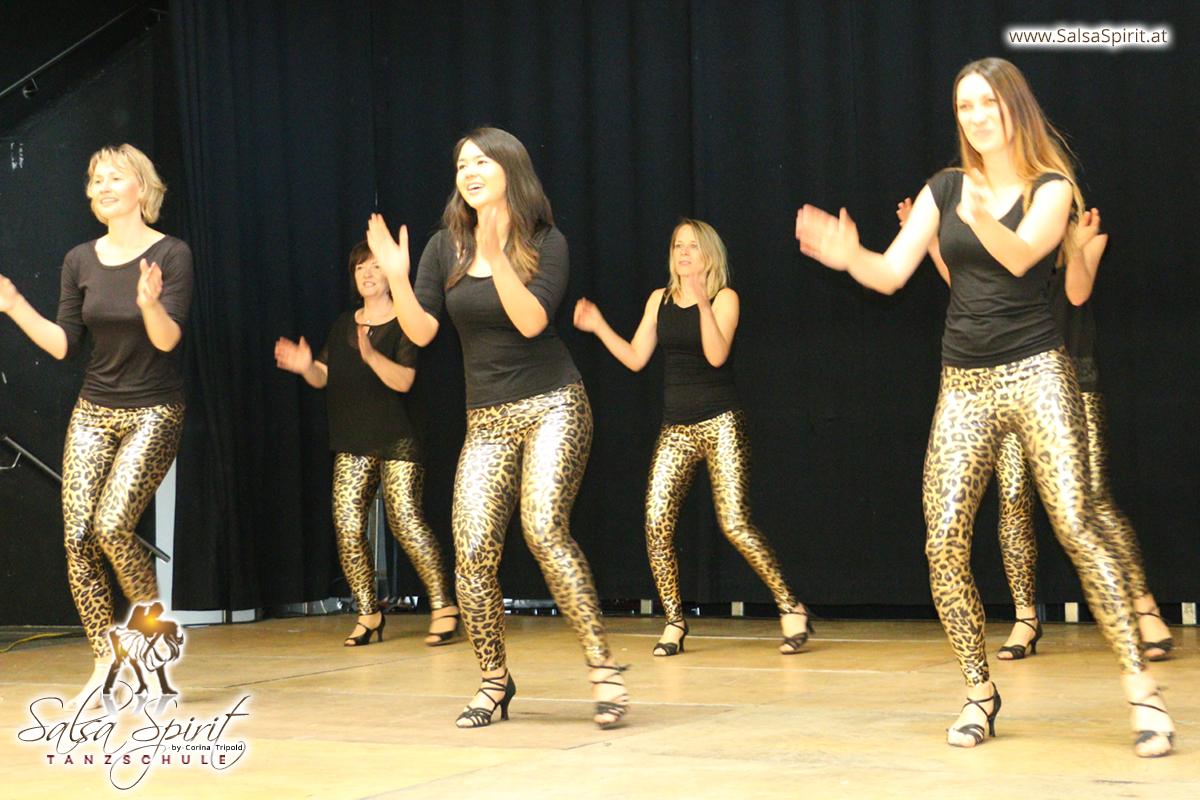 Tanzschule-Salsa-Spirit-Auftritt-Show-2018-Messe-0023
