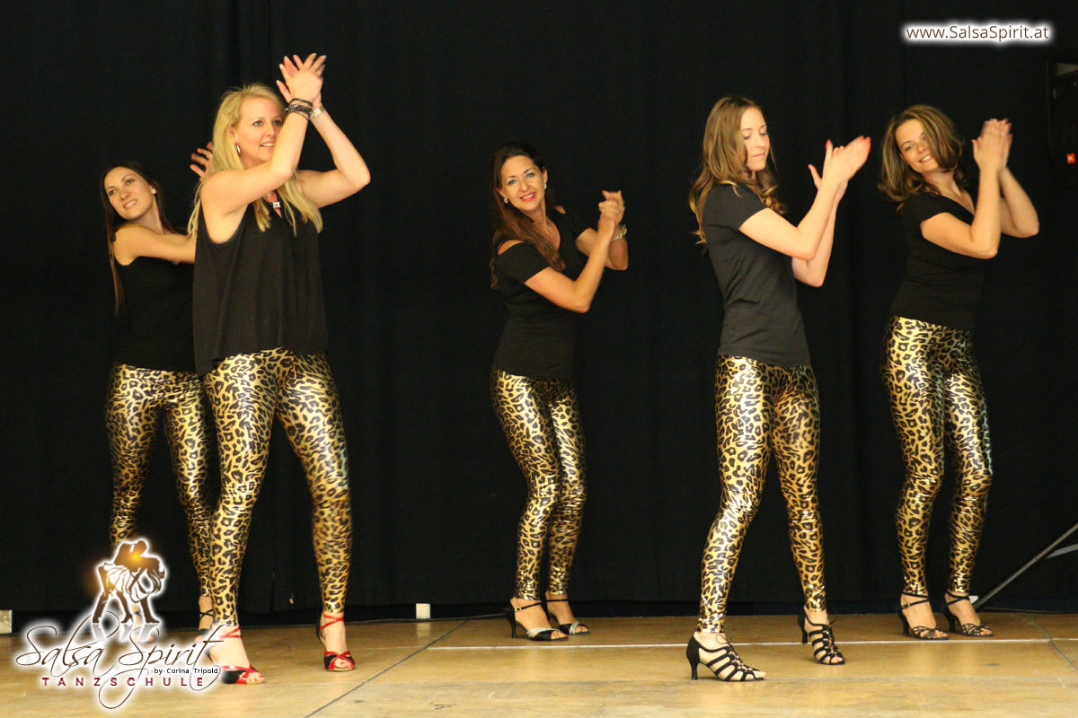 Tanzschule-Salsa-Spirit-Auftritt-Show-2018-Messe-0024