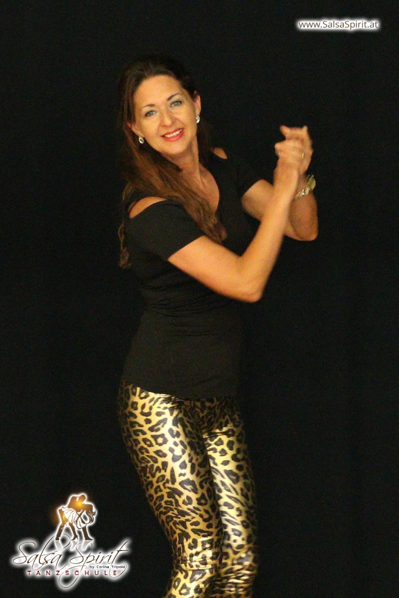 Tanzschule-Salsa-Spirit-Auftritt-Show-2018-Messe-0025