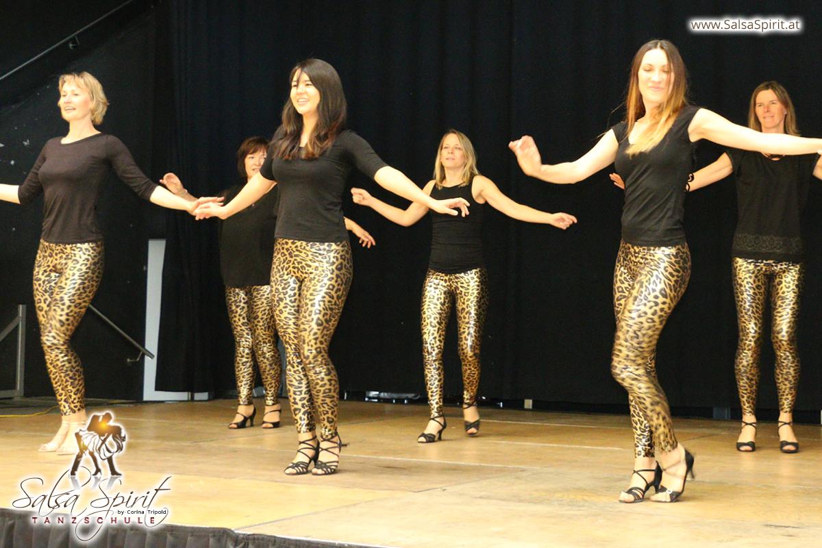 Tanzschule-Salsa-Spirit-Auftritt-Show-2018-Messe-0026