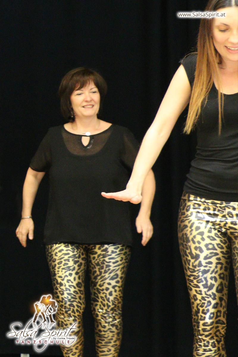 Tanzschule-Salsa-Spirit-Auftritt-Show-2018-Messe-0030