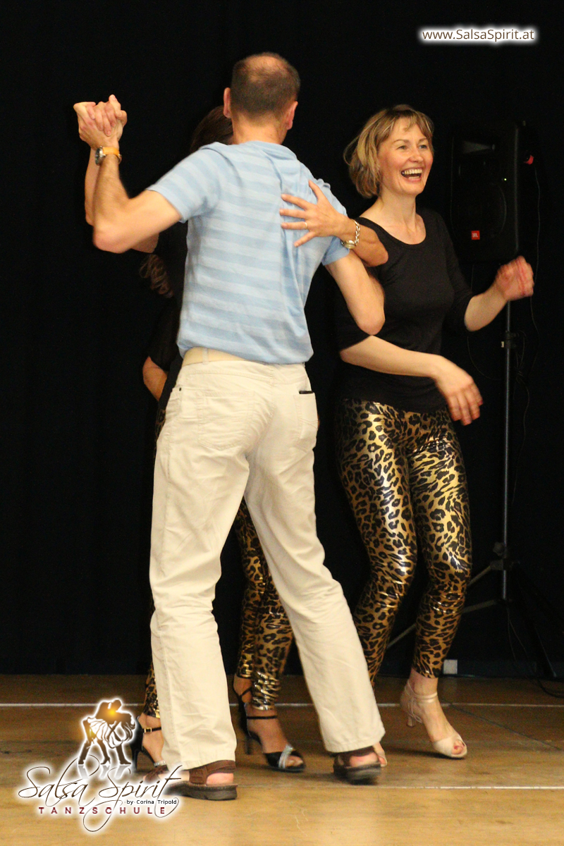 Tanzschule-Salsa-Spirit-Auftritt-Show-2018-Messe-0037