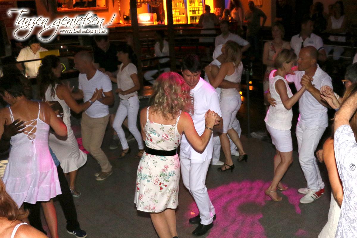 1-Tanz-Party-Salsa-Kizomba-Bachata-Fete-Blanche-1