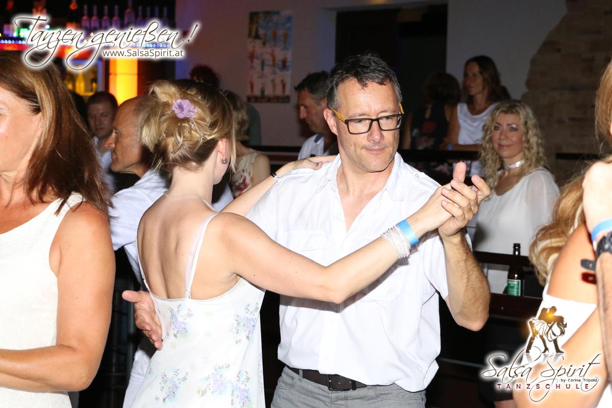 1-Tanz-Party-Salsa-Kizomba-Bachata-Fete-Blanche-22