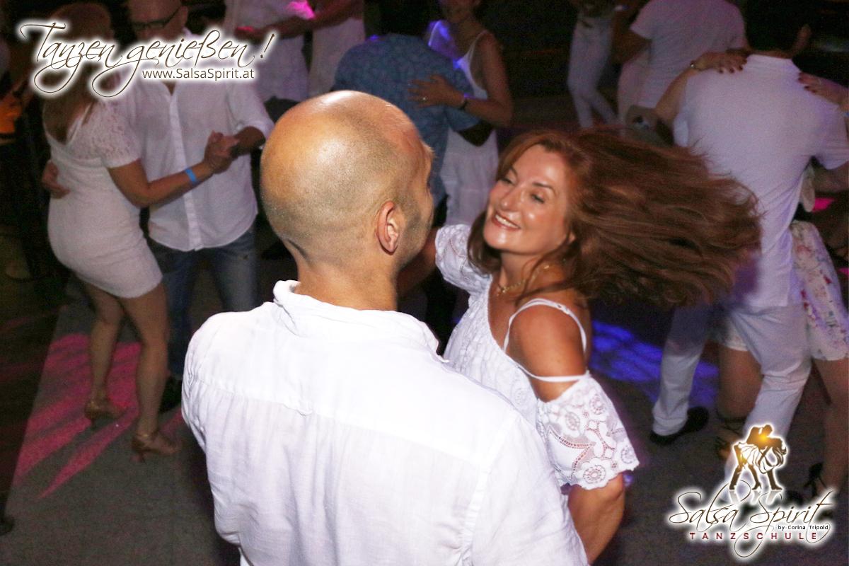 1-Tanz-Party-Salsa-Kizomba-Bachata-Fete-Blanche-23