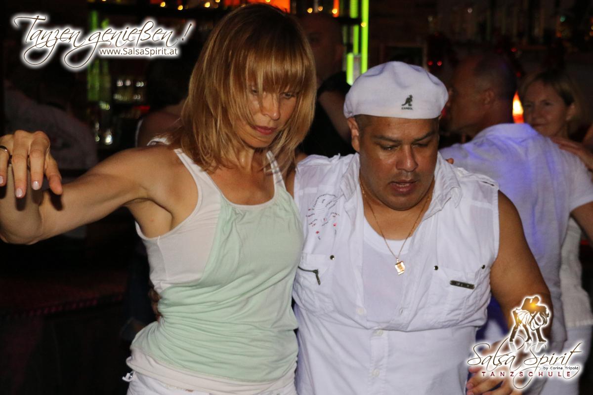 1-Tanz-Party-Salsa-Kizomba-Bachata-Fete-Blanche-28