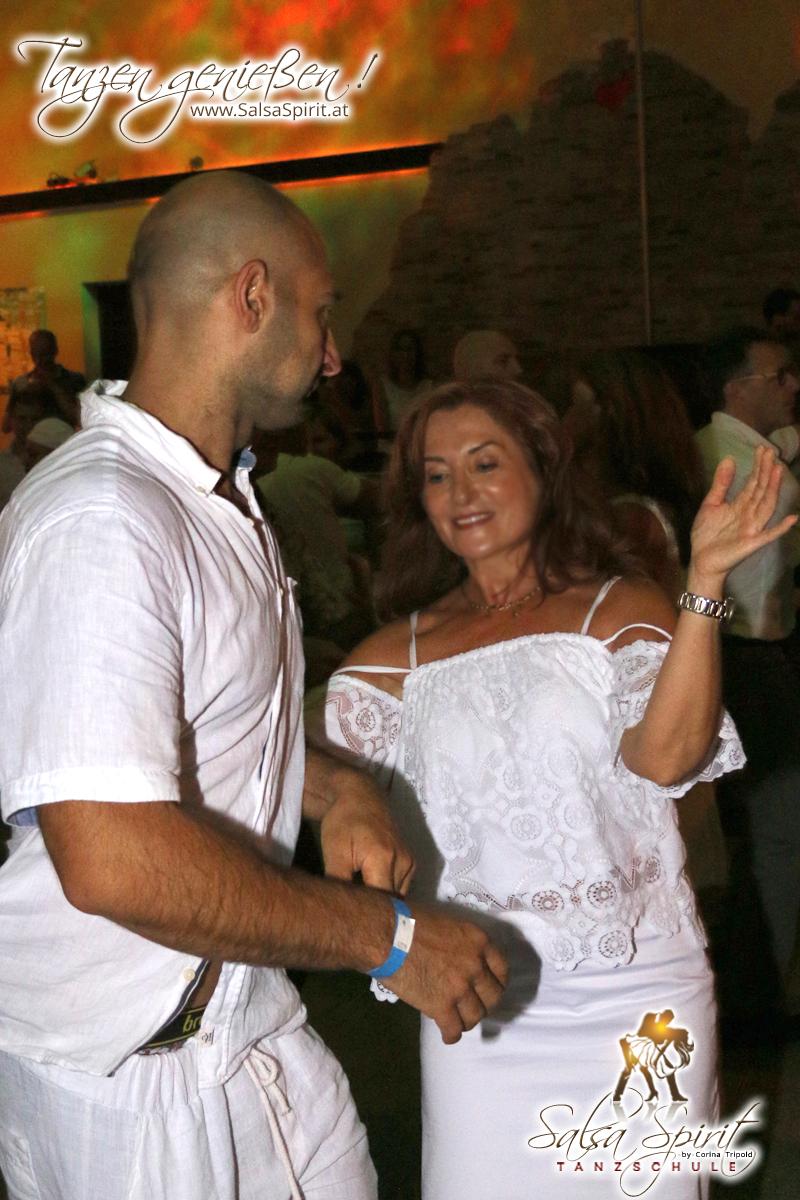 1-Tanz-Party-Salsa-Kizomba-Bachata-Fete-Blanche-35