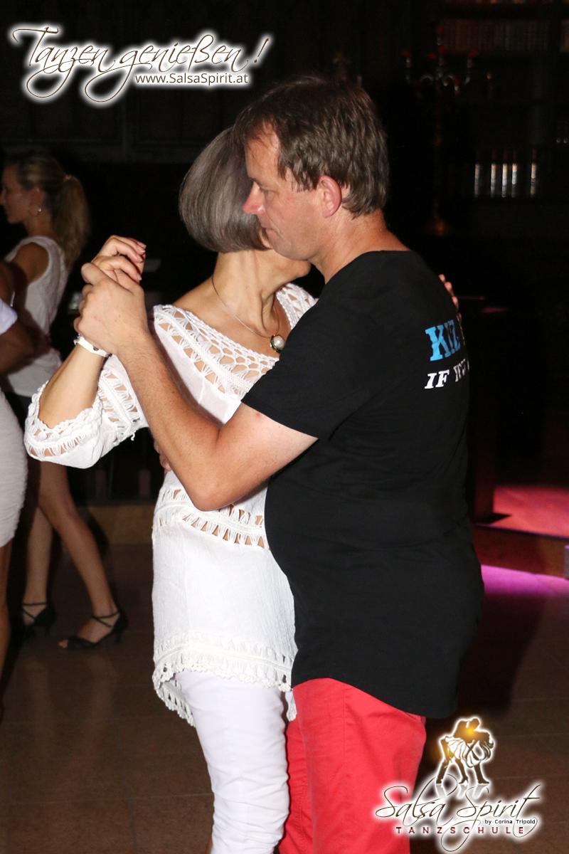 1-Tanz-Party-Salsa-Kizomba-Bachata-Fete-Blanche-42