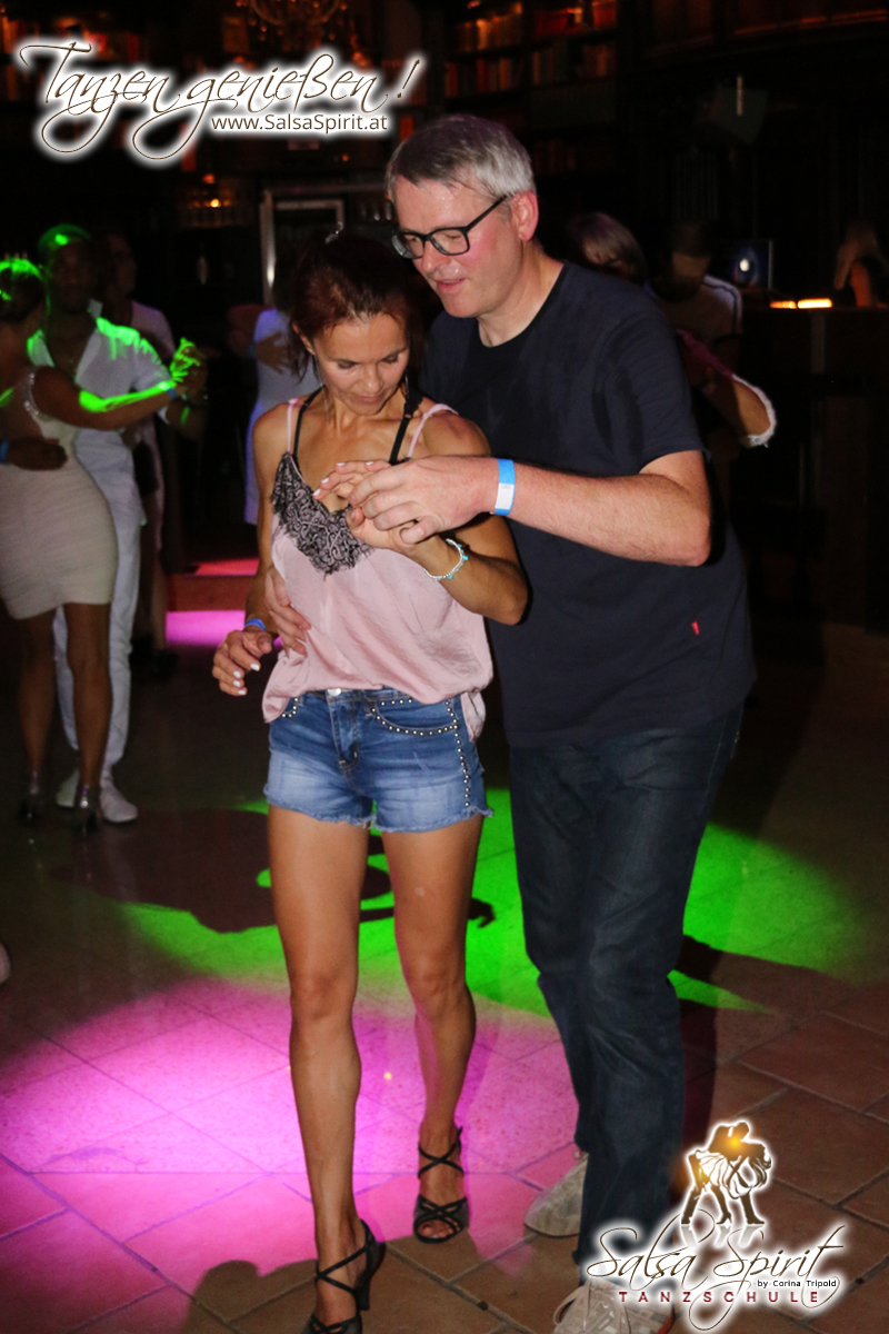 1-Tanz-Party-Salsa-Kizomba-Bachata-Fete-Blanche-44