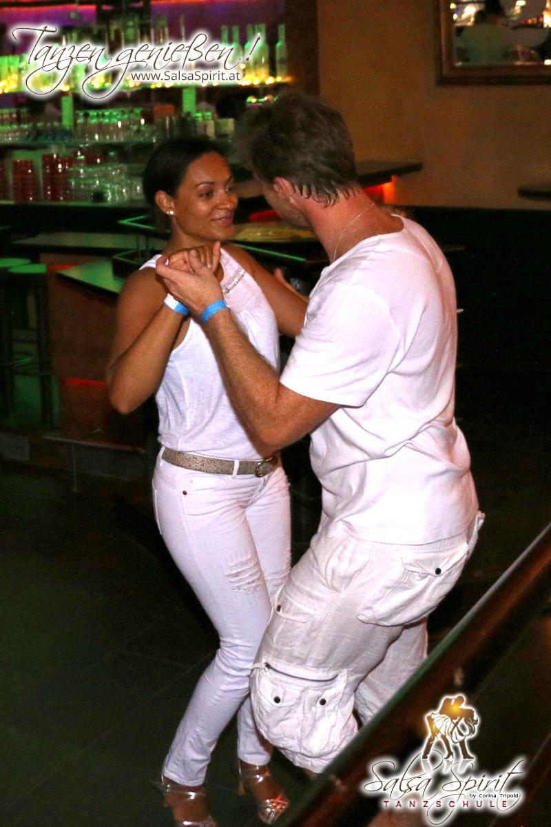 1-Tanz-Party-Salsa-Kizomba-Bachata-Fete-Blanche-7
